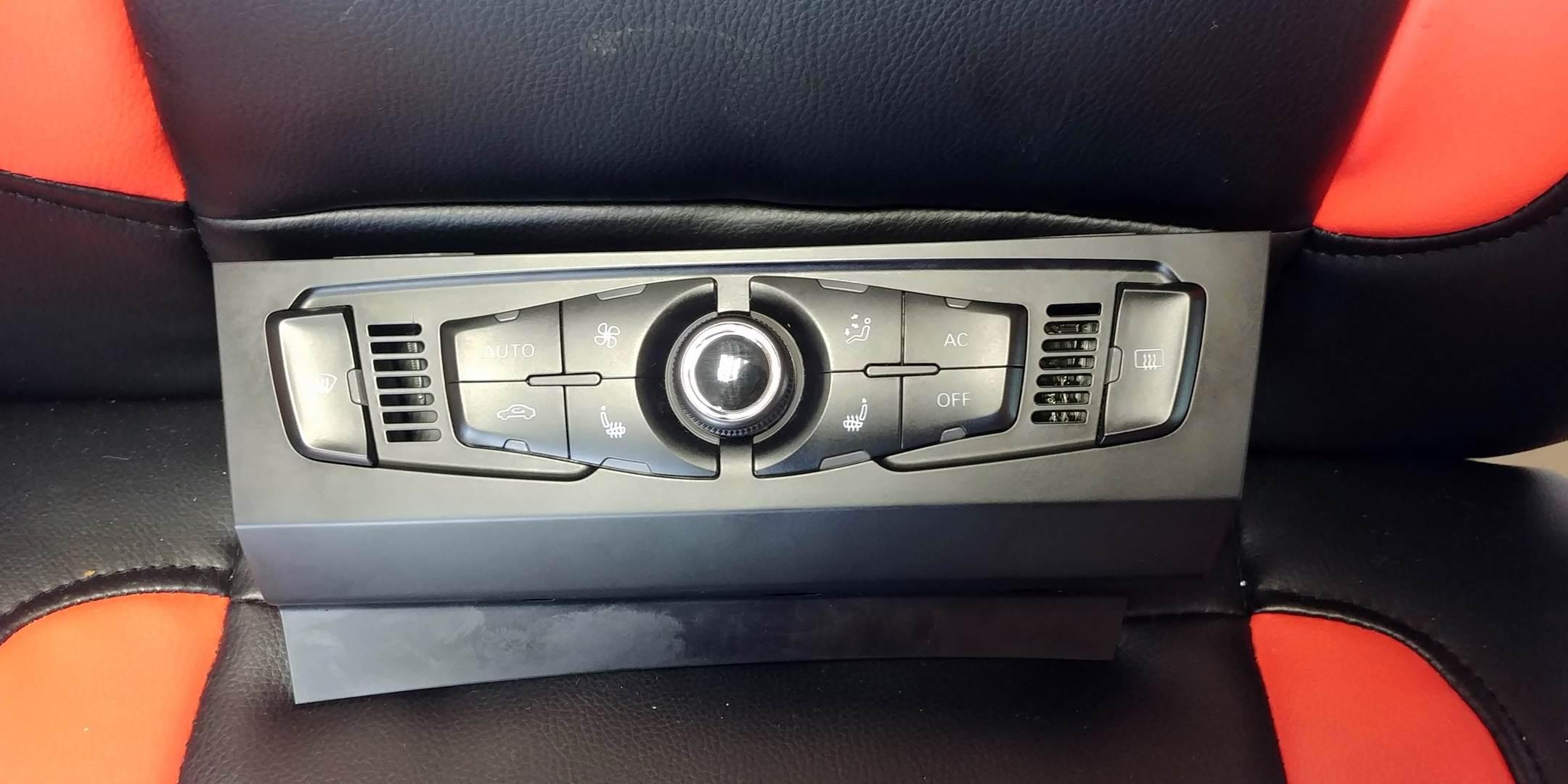 panel klimatyzacji Audi 8t1820043