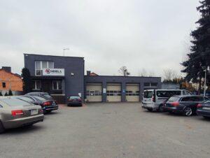 plac serwisu samochodowego